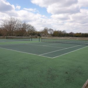 tennis courts in Weston turville bucks