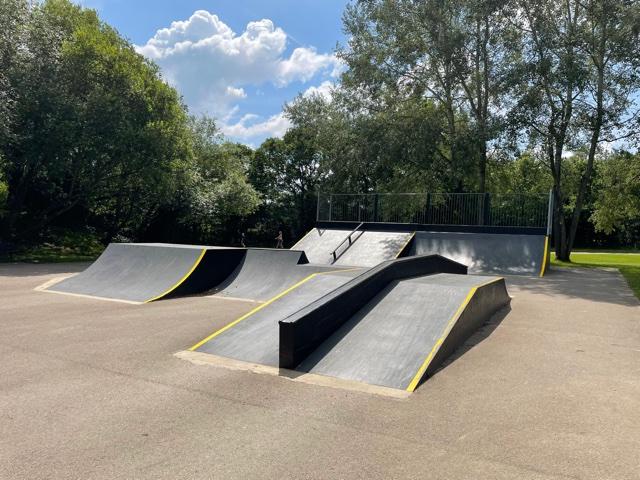 mill park skate park, bracknell skate park, berkshire skate parks