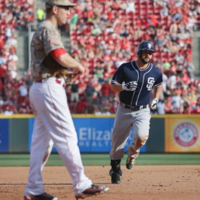 Reds blow a 6-1 lead to the Padres