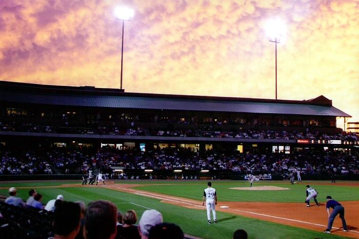 Louisville_slugger_field_evening_2002