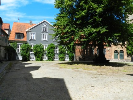 34-old courtyard
