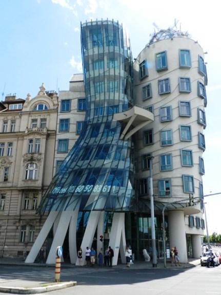 90-buildings-twist
