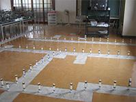 自動式低圧エポキシ樹脂注入工法 ひび割れ部エポキシ樹脂注入施工例(床)