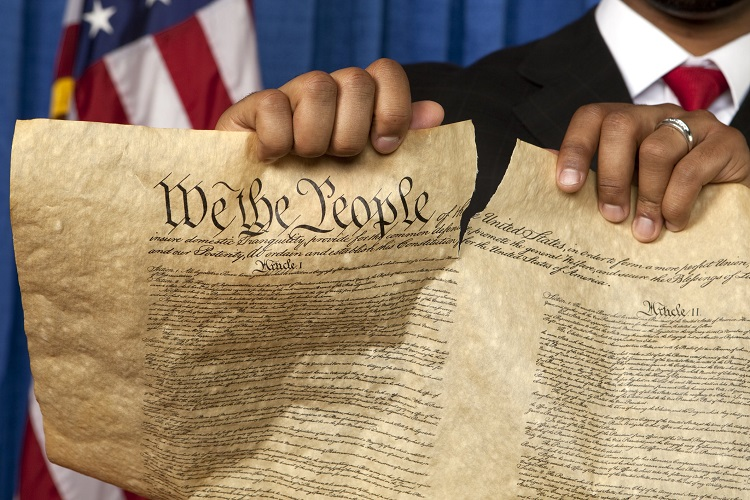 Constitution is BANNED in Federal Courthouse