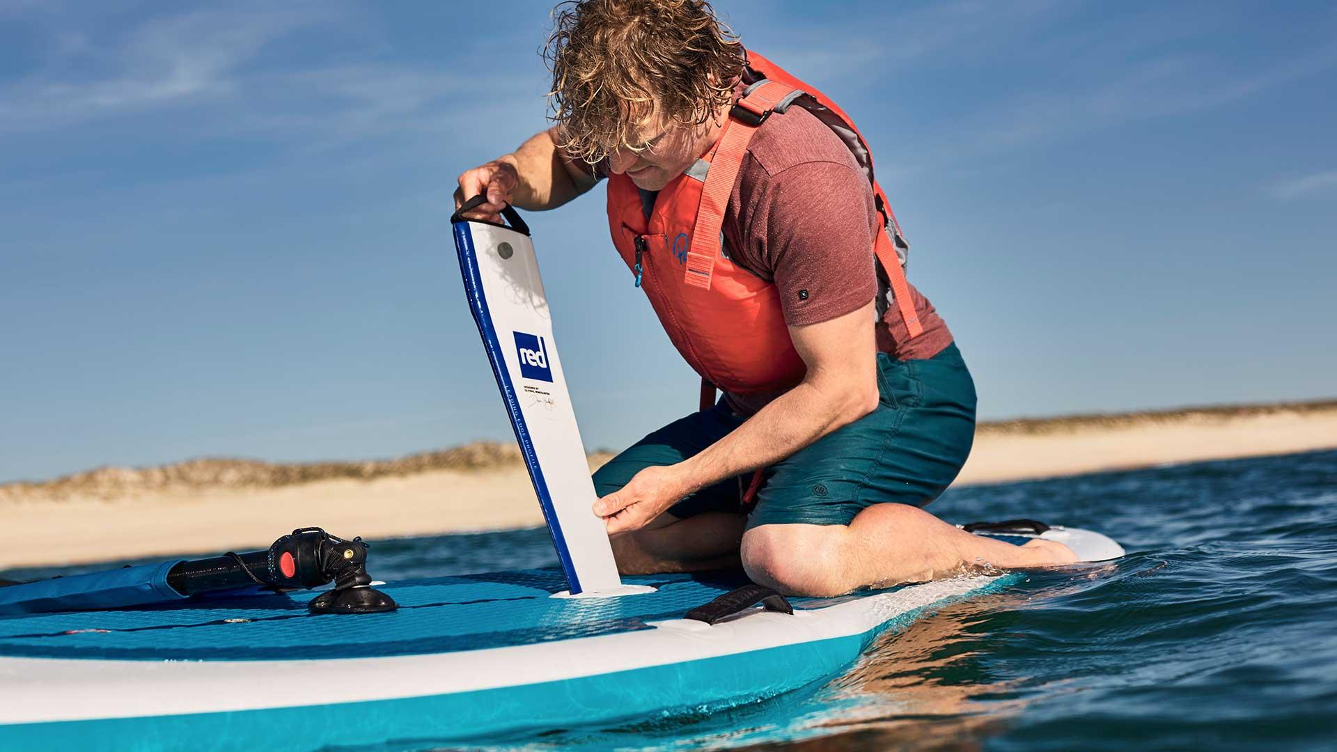 redpaddleco-107-windsurf-inflatable-paddle-board-desktop-gallery-fins