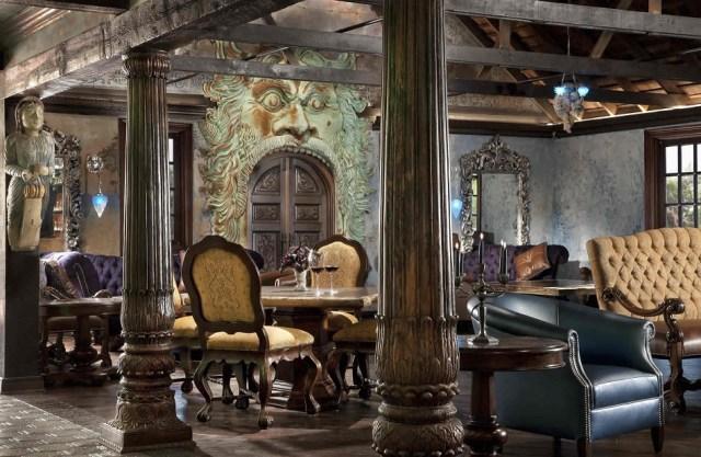 Μια επίσκεψη στο Emerald Club