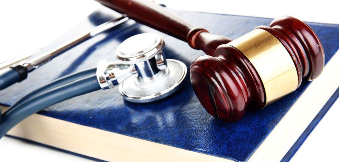 ¿Quien decide en medicina? ¿El médico, el juez?