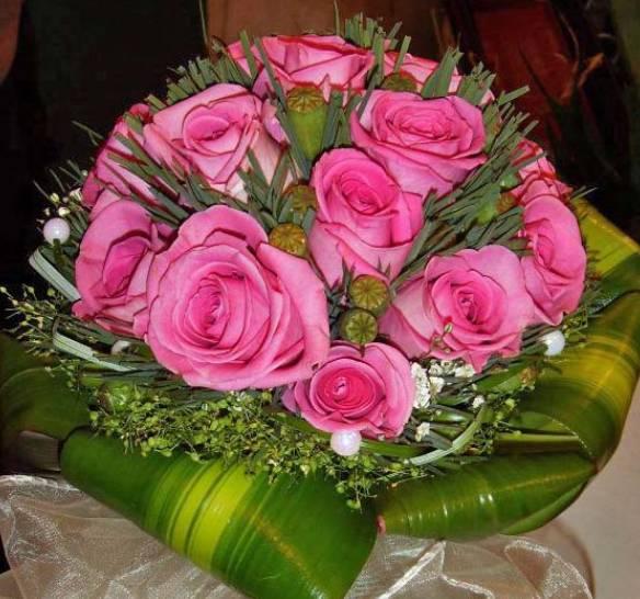 Aqua roze ruža sa listovima 60eur 60eur