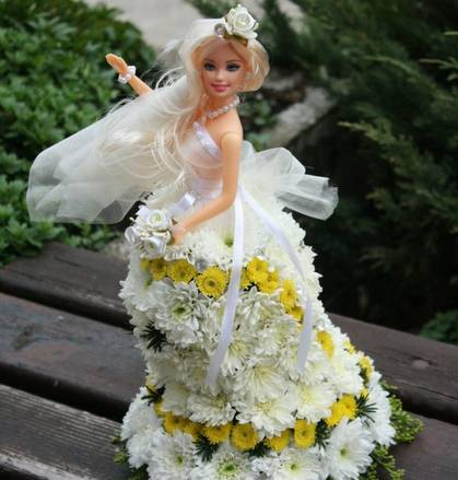 Cvetna Barbi plavuša