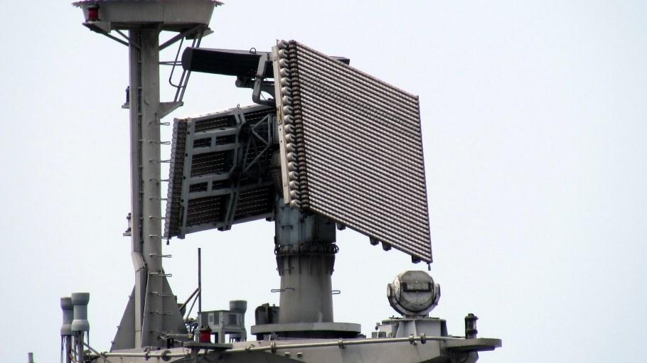 INS_Satpura_-_Fregat_M2EM_Radar.jpg