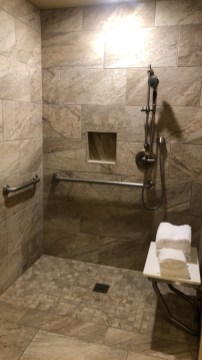 Room 4106: Great shower area