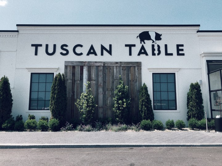 GIVEAWAY ALERT: Tuscan Table