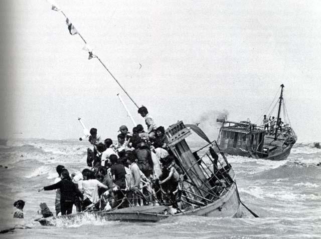 """Résultat de recherche d'images pour """"boat people"""""""