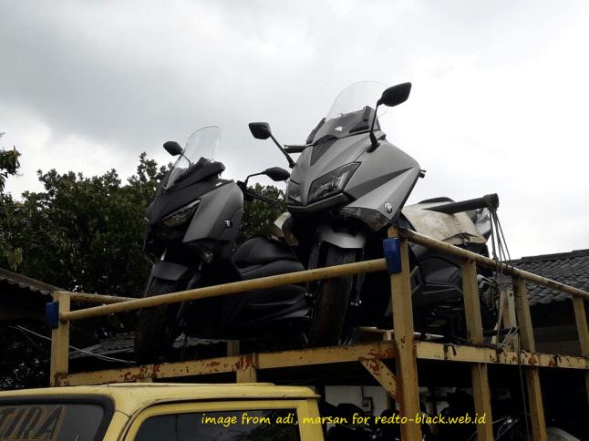 Yamaha Tricity 155 & New R15 terpantau diangkut truk ekspedisi