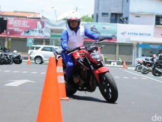 Instruktur Safety Riding Astra Motor Semarang