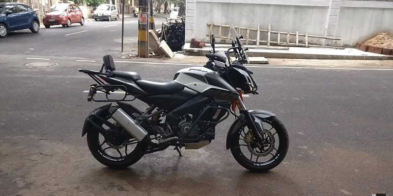Modifikasi Pulsar NS200 Bergaya Adventure Touring