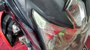 Mika Headlamp tegores, reflektor pecah