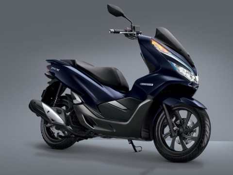 Honda PCX Hybrid Pionir Motor Hybrid di Indonesia