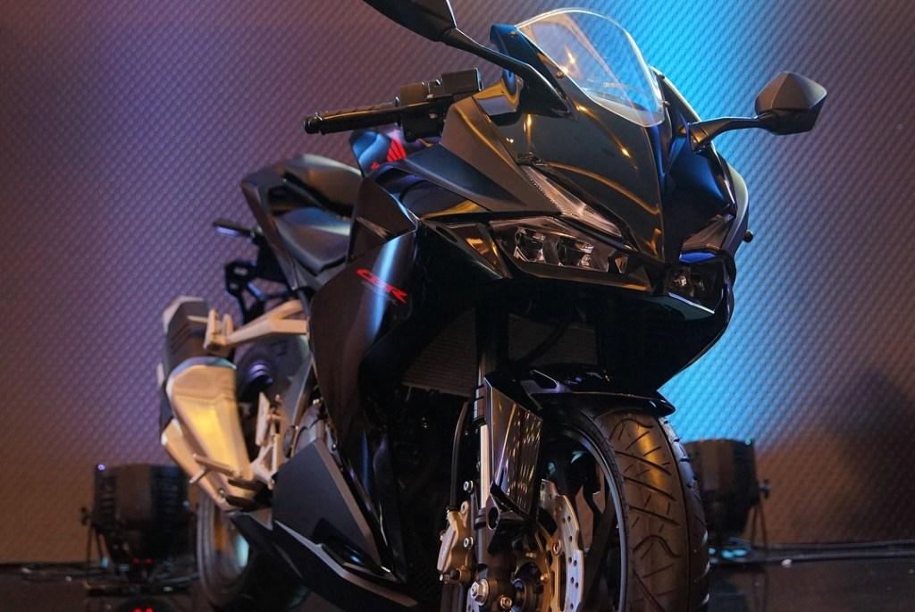 New Honda CBR250RR Black Freedom