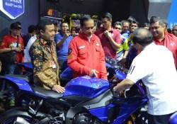 Lineup Yamaha R-Series Menarik Perhatian Presiden Jokowi