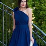 Rochie Ana Radu albastru-inchis de ocazie in clos pe umar