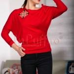 Bluza rosie cu model brodat