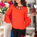 Bluza rosu-corai cu model negru