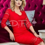 Rochie Against Red