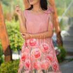 Rochie lejera de vara cu imprimeu trandafiri