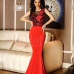 Rochie lunga dantela rosie cu negru si trena