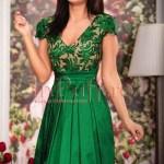 Rochie midi verde-smarald cu broderie