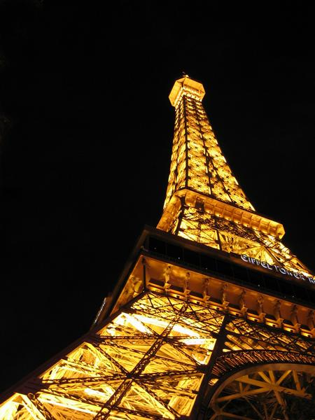vegas_eiffel_tower