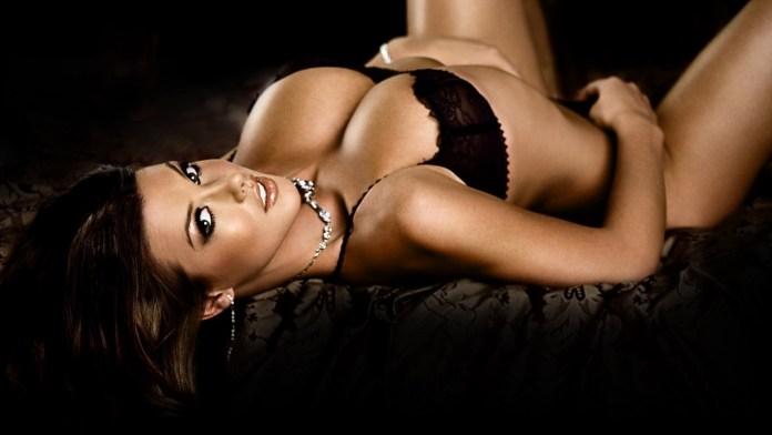 hot-eva-longoria-big-breasts-and-beautiful-black-underwear