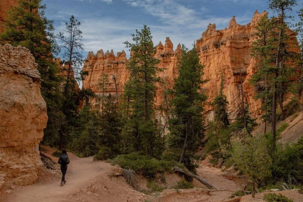 Queens Garden Loop trail hike in Utah