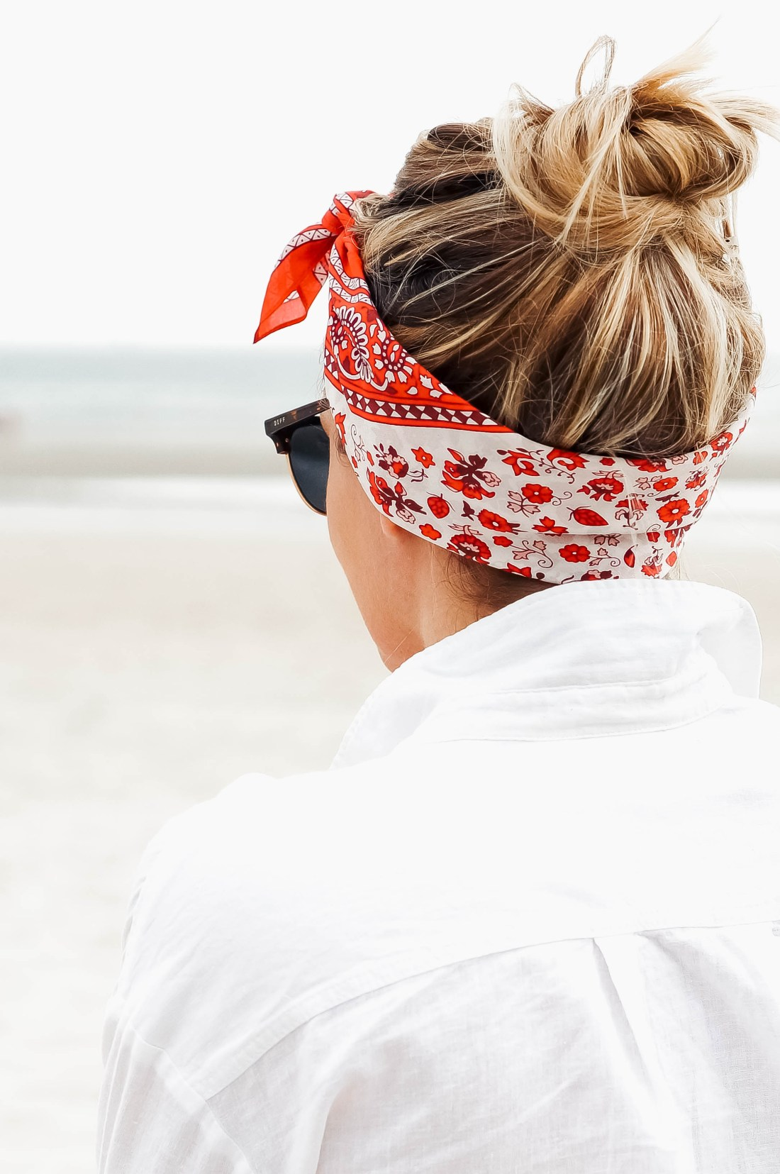 5 Ways To Wear A Bandana Scarf In Your Hair Red White