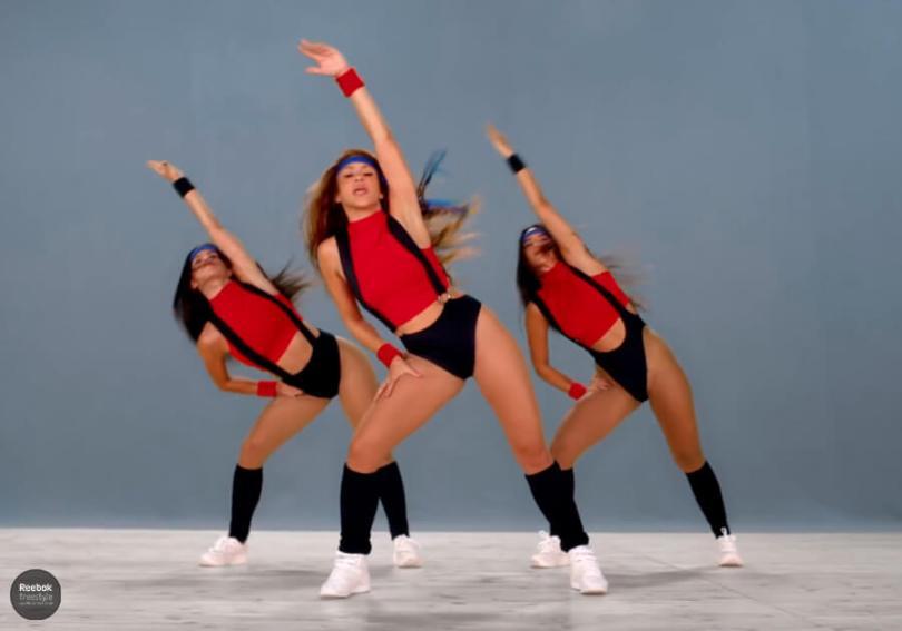 Shakira A girl like me Reebok Freestyle captura