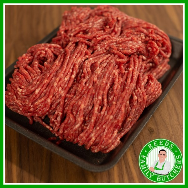 Buy a £10 tray of Minced Beef online from Reeds Family Butchers
