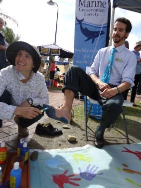 Reefwalk 2013: Painting Jonathan's footprint for peace