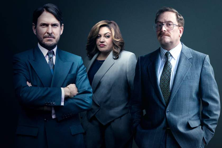 Image shows three cast in character from El Robo Del Siglo (The Great Heist). Left Andrés Parra (Chayo), centre Marcela Benjumea (Doña K, right Christian Tappan (Molina)
