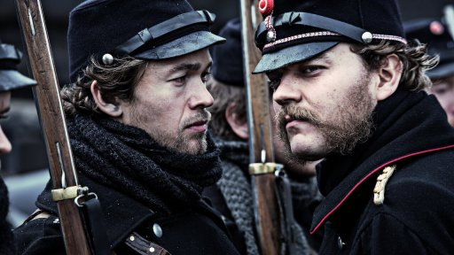 Jakob Oftebro (left) as Laust and Pilou Asbæk (right) as Didrich in 1864