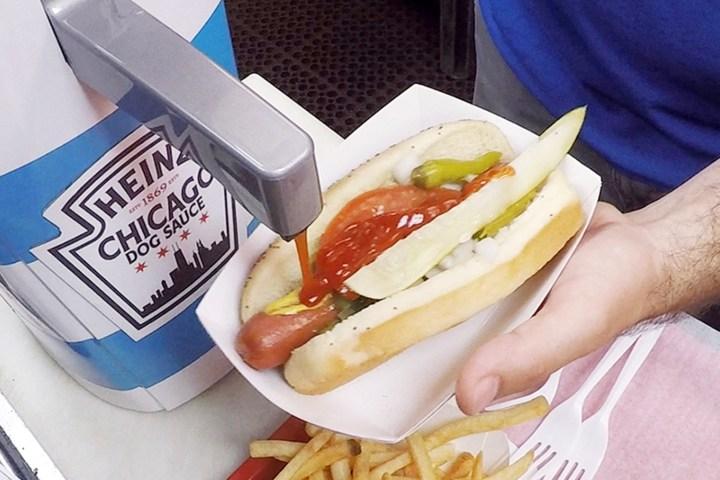 """Optimus trolls Chicagoans with Heinz """"Dog Sauce"""""""