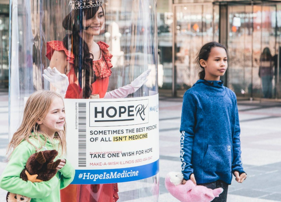 gyro offers families bottles of hope for World Wish Day