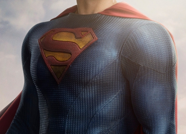 CW reveals first look at Superman's new suit