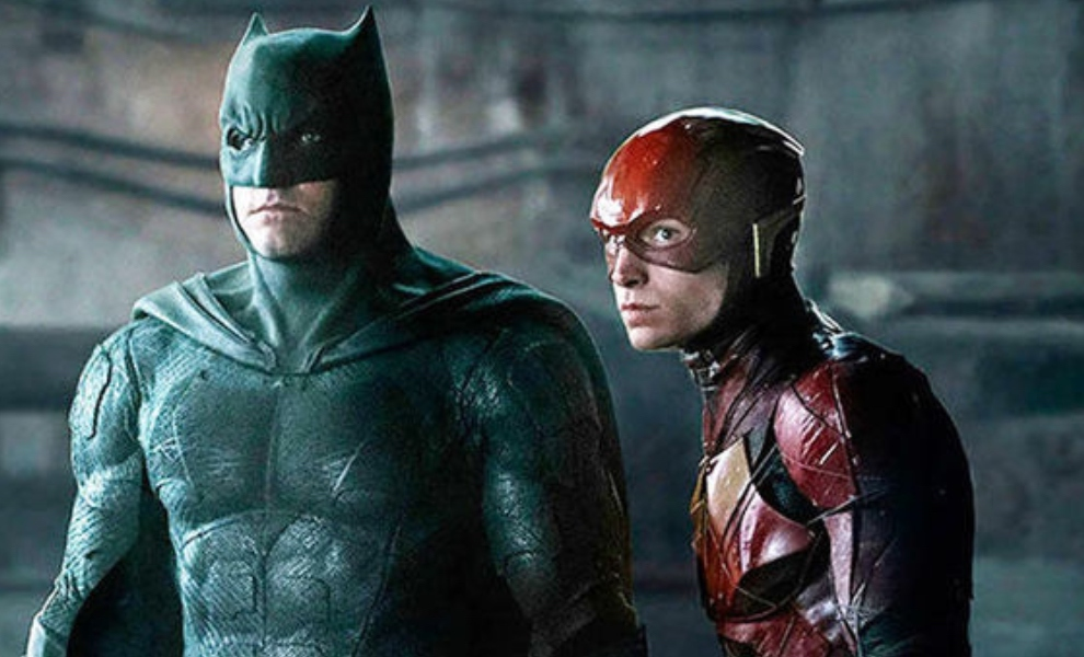 """The Flash: Videos from production reveal new suit for """"Batfleck"""""""