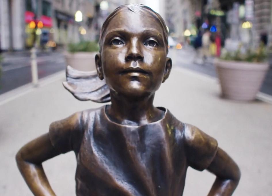 """McCann's """"Fearless Girl"""" for State Street Advisor's"""