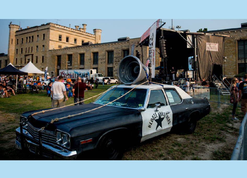 The Bluesmobile returns to Joliet Prison