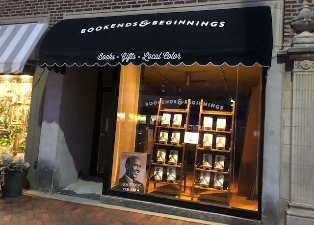 Evanston Indie bookstore flips 'You've Got Mail' theme