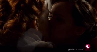 Lizzie Kisses Adele