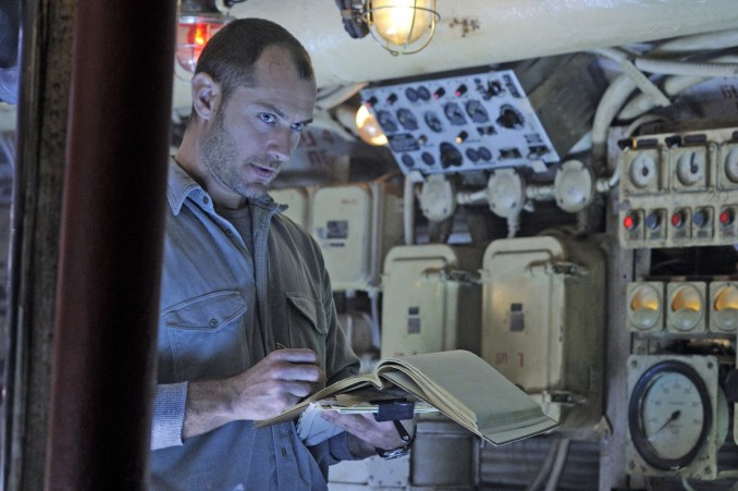Jude Law stars as a rogue submarine captain after sunken treasure in the depths of the Black Sea in Focus Features' upcoming adventure thriller BLACK SEA, directed by Academy Award winner Kevin Macdonald.  Photo Credit: Alex Bailey / Focus Features.