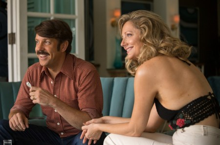(L-R) Jason Sudeikis as Jim Hoffman and Judy Greer as Ellen Hoffman in Universal Pictures Content Group's crime thriller comedy DRIVEN. Photo courtesy of Universal Pictures Content Group.